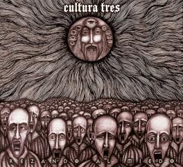 cultura-tres-rezando-al-miedo